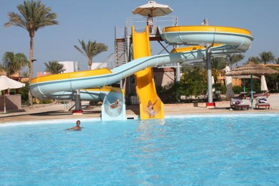 Amwaj Oyoun Resort & Spa image2