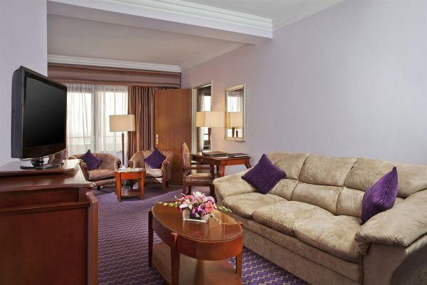 Holiday Inn Cairo Maadi Towers & Casino image7