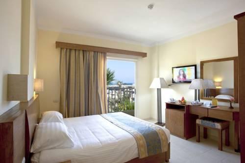 The Three Corners Triton Empire Beach Resort image4