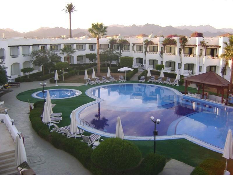 Karma Hotel image1