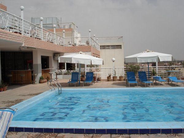 New Pola Hotel image2