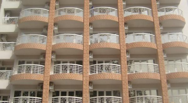 New Pola Hotel image1