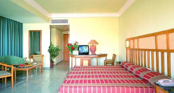 Sea Garden Hotel image3