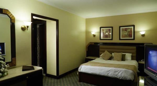 Pyramisa Suites Hotel Cairo image11