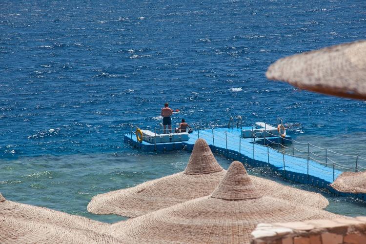 Coral Beach Resort Tiran image5