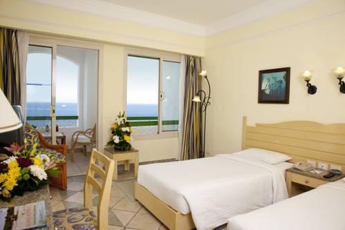 Coral Beach Resort Tiran image7