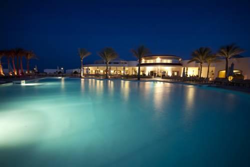 Coral Beach Resort Tiran image6