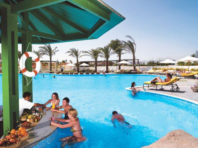 Coral Beach Resort Tiran image12