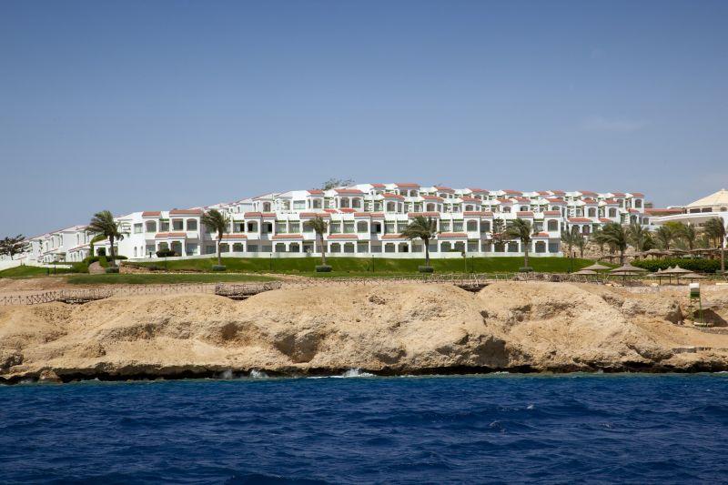 Coral Beach Resort Tiran image15
