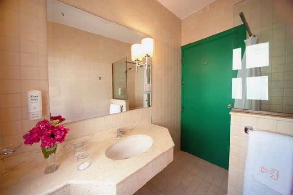 Turtle's Inn Hotel image5