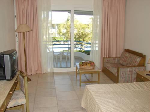 Queen Sharm Resort image5
