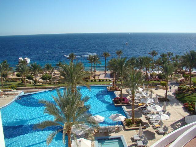 Club Reef Hotel Village image1