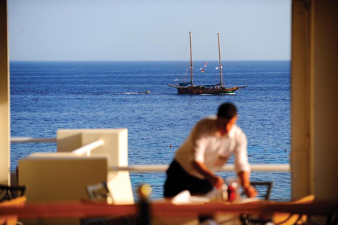 Reef Oasis Beach Resort image4
