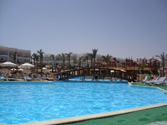 Queen Sharm Resort image3
