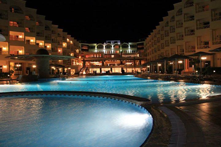 AMC Royal Hotel image1