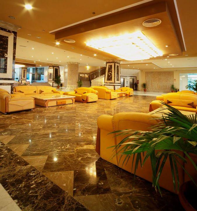 AMC Royal Hotel image9