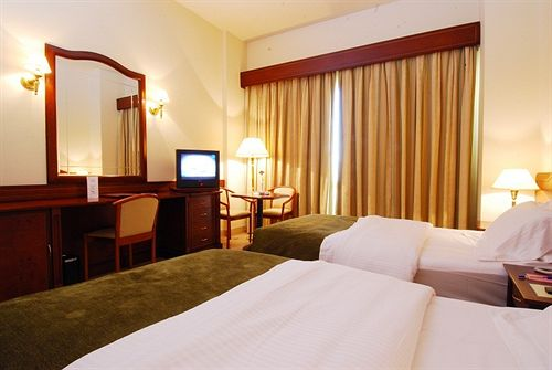 Triumph Hotel & Conference Center image6