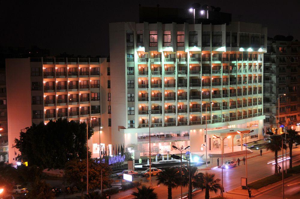 Horizon Pyramids Hotel image1