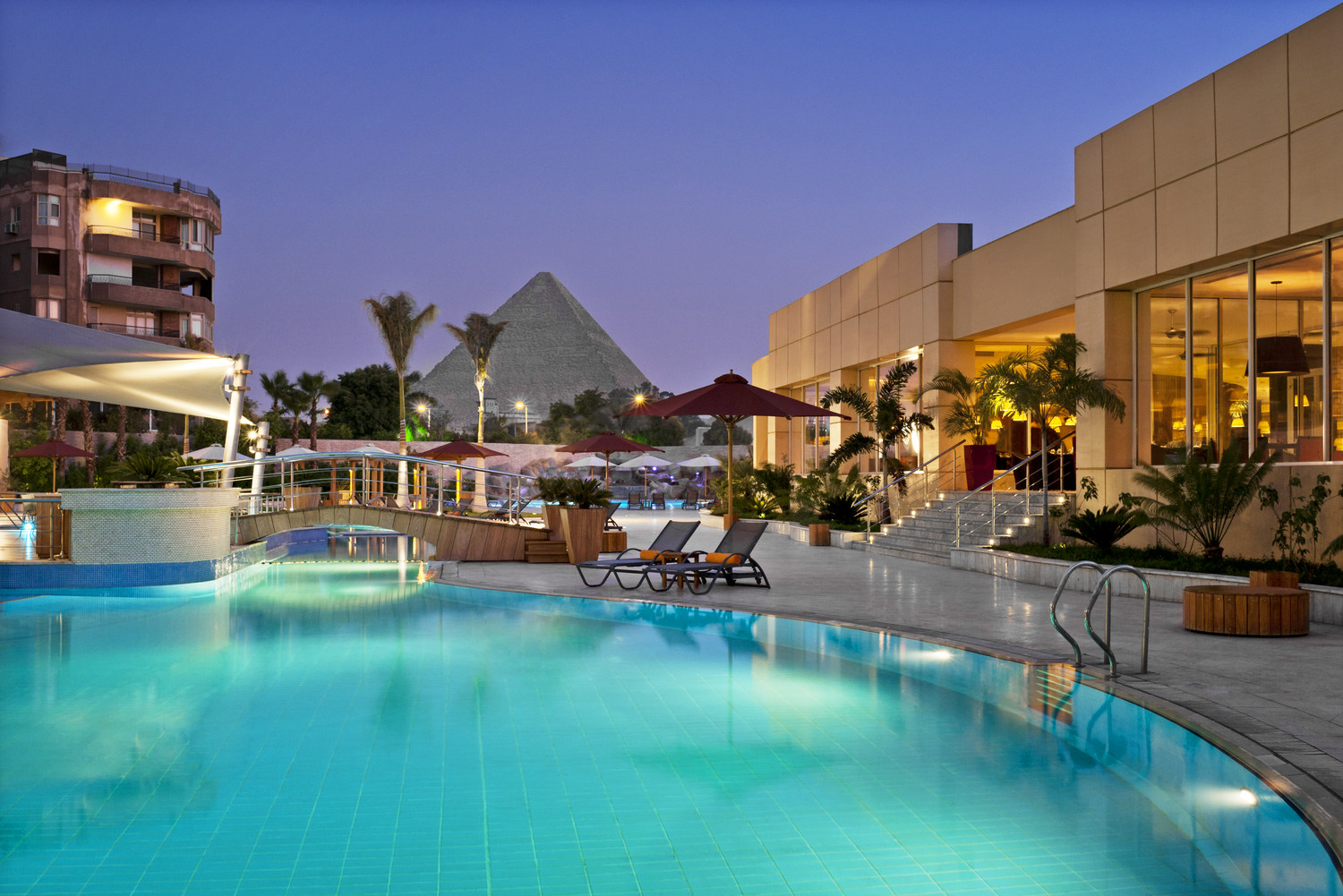 The Oasis Hotel Pyramids image1