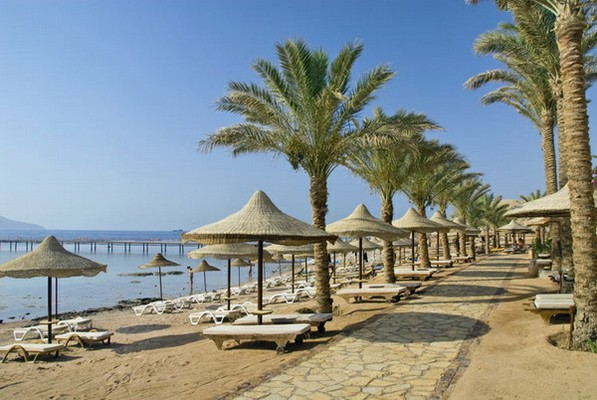 Tamra Beach Hotel image1