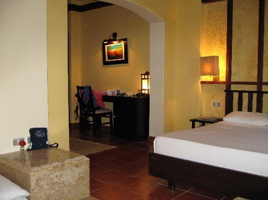 Tamra Beach Hotel image6