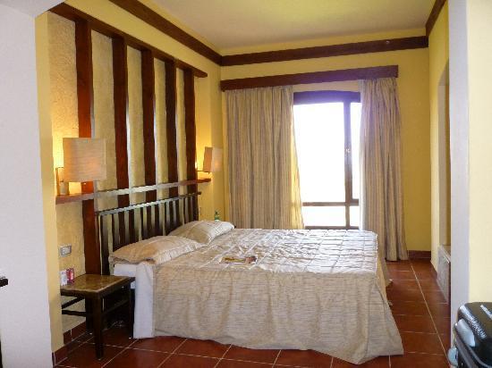 Tamra Beach Hotel image16