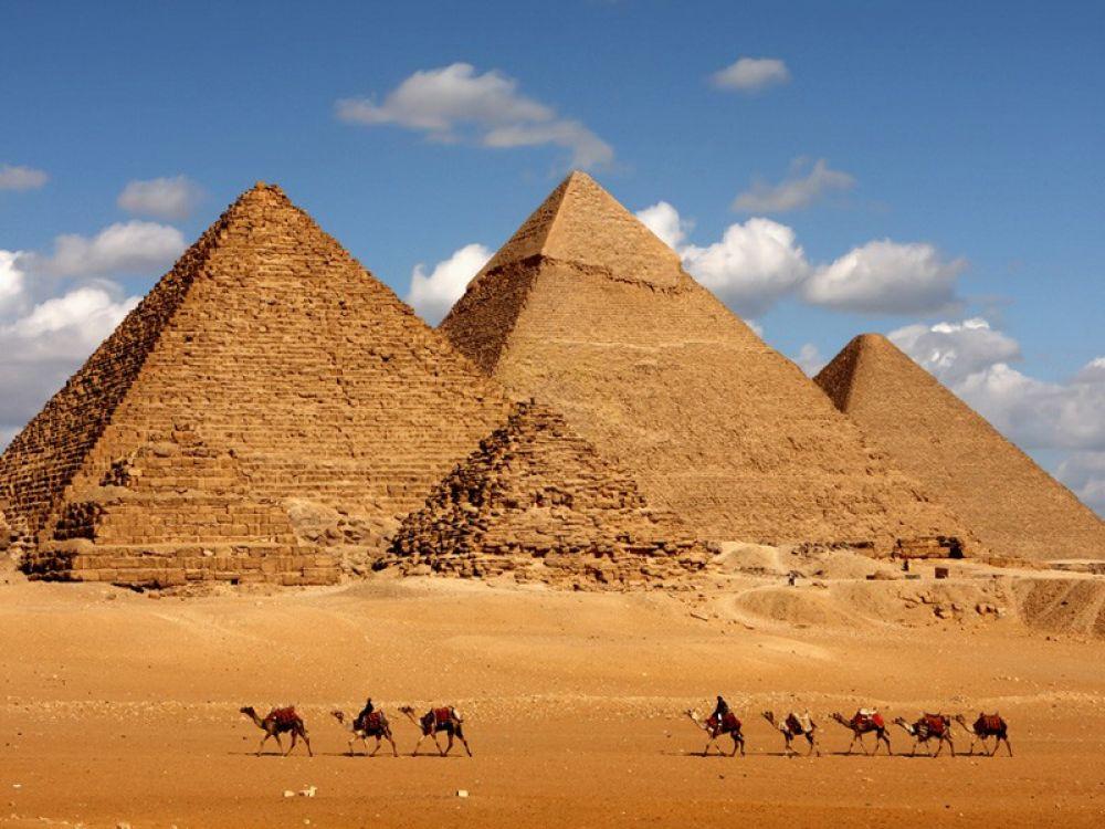 Giza_Camel_Ride.jpg